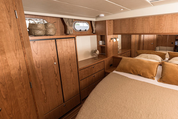 ThomasVaer-Sanzi Yacht Charter-Great Glen-Interieur-20200528-0051.jpg